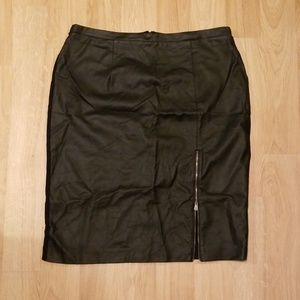 Faux leather skirt with zipper slit detail size xl
